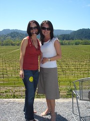 Trulie and Amy @ wilson winery (Scott Holmes) Tags: drycreek sonoma winetasting passport winecountry drycreekvalley passport2006