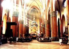 The light of God (_Zeta_) Tags: light italy sun luz church 1025fav interiors italia ray 500v20f god iglesia indoor 100v10f chiesa bologna stunning dio sole luce emiliaromagna raggi sanpetronio
