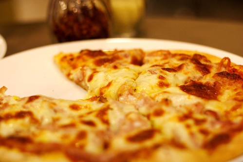 Photo- Unhealthy Pizza (seetying@flickr)