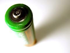 Macro Ampere (Martin Terber) Tags: orange macro green metal battery nickel hybrid makro metall accu akku rechargable milliampere 1300mah