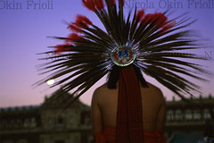 Ichcateopan aztec ceremony 16 (Nicola Okin Frioli) Tags: mexico photography photo dance foto aztec photojournalism ritual pilgrimage mexica messico cuauhtemoc imperatore rituale pellegrinaggio okin danze ichcateopan aztechi cuahuctemoc okinreport wwwokinreportnet nicolaokinfrioli nicolafrioli