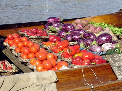 Fruit Boat II / Argentina