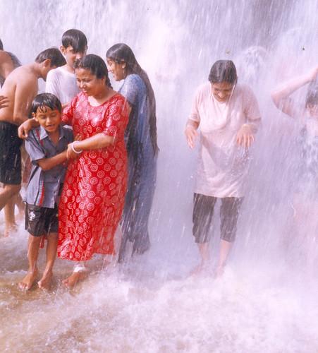 park desi grils water