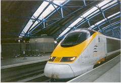 The Class 373 locomotive to the Eurostar train to Paris, parked at London's Waterloo station. (Steve Brandon) Tags: uk railroad england 15fav paris london station train gare eurostar unitedkingdom platform railway locomotive  britian tgv waterloostation chunnel chemindefer 3223 traingrandevitesse class373 class373locomotive class373train series373000tgv transmanchesupertrain