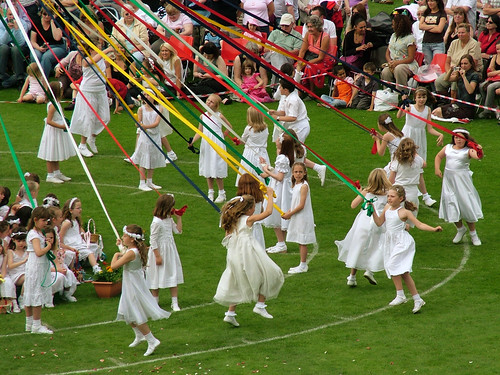 Bournville Maypole: The Chain