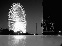 Ferris Wheel  Paris 1 (CHEN_Zheng) Tags: light bw paris night reflections ferriswheel tuileries grandroue ruili