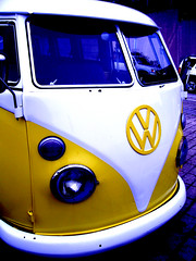 I *heart* Farfegnugen (Shari Diane) Tags: auto california street city blue bus car yellow modern vw vintage volkswagen drive interestingness highcontrast fv5 farfegnugen interestingness16 i500 iheartfarfegnugen