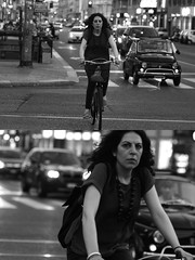[La Mia Città][Pedala] (Urca) Tags: milano italia 2016 bicicletta pedalare ciclisti ritrattostradale portrait dittico nikondigitale mirò bike bicycle biancoenero blackandwhite bn bw 907166