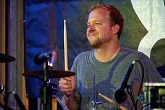 Passafire (mattrkeyworth) Tags: people music concert gig band drummer musik konzert knoll würzburg weinfest weingutamstein passafire hoffestamstein sel70200g sandraknoll ludwigknoll sonya7r