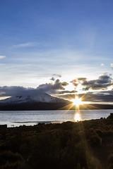 Eco (Lightriphoto) Tags: chile lago dawn amanecer montaa altiplano arica parinacota amanacer chungara lagochungar volcanparinacota