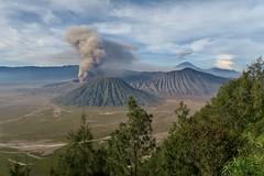 IMG_4029 (JoStof) Tags: indonesia java bromo volcano eruption ash smoke seaofsand semeru crater tengger caldera batok jawatimur indonesië idn