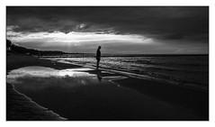 Chilling at beach (Schnitzel_bank) Tags: insel usedom meer monochrome schwarzweiss sw bw blackandwhite ostsee wasser landschaft landscape ufer balticsea seascape stillleben
