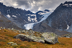 The Glacier of Valsorey, Mont Vélon. Canton of Valais. Switzerland. No. 3382. (Izakigur) Tags: snow alps ice nature topf25 clouds alpes schweiz switzerland nikon rocks europa europe flickr suisse suiza hiking swiss glacier suíça alpen helvetia svizzera wallis topf250 lepetitprince cas valais thelittleprince verbier grandcombin ilpiccoloprincipe 100faves 200faves سويسرا nikond700 izakigur montvélon