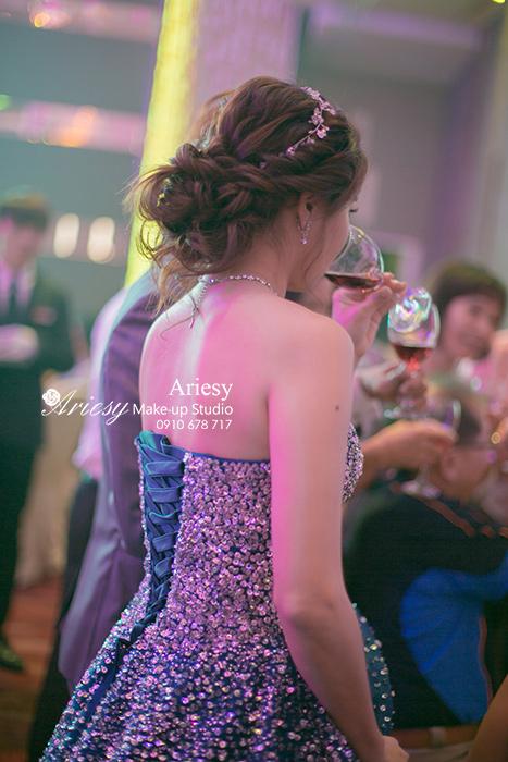 Ariesy,愛瑞思,愛瑞思造型團隊,台北推薦新秘,新娘秘書,新娘造型,雅悅會館旗艦店,花藝飾品,蓬鬆編髮,新娘髮型
