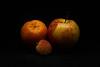 70D_201612251057.jpg (© EsOpE) Tags: flore fruits naturemorte pomme clémentine litchi canon 70d orange jaune rouge