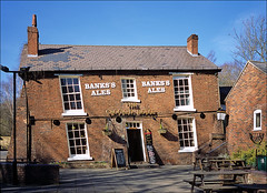 the crooked house (Ron Layters) Tags: crookedhouse pub wonky subsidence mining props higgledypiggledy building brick bankssales hostelry himley staffordshire england unitedkingdom leica m6 leicam6 slidefilmthenscanned slide transparency fujichrome provia ronlayters
