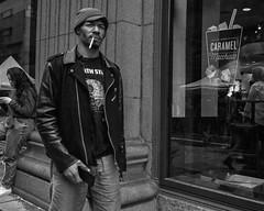 Chestnut St. near 13th Street, 2016 (Alan Barr) Tags: philadelphia 2016 chestnutstreet 13thstreet street sp streetphotography streetphoto blackandwhite bw blackwhite mono monochrome candid people panasonic lumix gx7