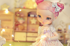 ☆ Catching the light of a Fairy ☆ (Shimiro Kestrel) Tags: bjd doll poulpy lillycat bjdphotography bjdportrait bjdcustom dollphotography cerisedollspoulpy lillycatpoulpy cute kawaii pastelgirl pastel