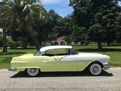 1956 Pontiac Chieftain 860 2-Door Catalina (Hipo 50's Maniac) Tags: hardtop catalina pontiac 1956 coupe chieftain 2door 860