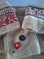 """20150614_163051 (""""ARTEIRICES"""" By RÔ IANGUAS) Tags: de banho jogos customizadas toalhas"""
