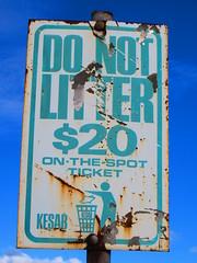 Old 1970s/80s KESAB 'Do Not Litter' sign - Dernancourt Shopping Centre (RS 1990) Tags: old green sign al rust july adelaide highbury thursday southaustralia 23rd 2015 donotlitter teatreegully kesab dernancourt lowernortheastrd