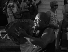 Alegria do percussionista ao tocar pratos  / Happiness of the percussionist when playing cymbals (jadc01) Tags: d3200 nikon nikon1855mm people streetphotography streetphotographer portrait detail joy happiness riodejaneiro blackandwhite blackwhite closeup