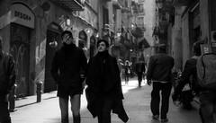 hipsterland (dACE :)) Tags: catalunya espanya españa spain barcelona bcn born calles carrers catalonia cataluña f2 film gent gente hipster kodak people prioritya street streetphotography tmax100 yongnuo50mm es elborn couples bw bn backlight winter christmas