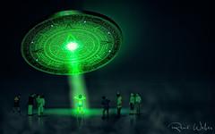 Sie sind da (rwfoto_de) Tags: zwischenring helios4422 mini miniatur extensiontube ufo grün green light licht extraterrestrial