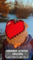 8bit Heart Toque01b (zreekee) Tags: sparkledoomdesigns whistleivy 8bithearttoque crochet toque heart videogame minecraft
