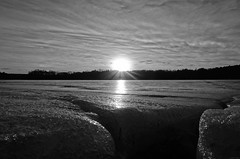 ...Over the Edge (Iced Earth) (crush777roxx) Tags: crush777roxx crush 20170119 2017 january 19th winter bw monochrome frozen lake ice crevice sunset swirl clouds nature sweden stockholm sverige brunnsviken overtheedge icedearth blackwhite frozenlake icecrevice wintersunset stockholmwinter swedensunset zeisslens24–720mm compact camera sony hx90v zeiss stockholmsweden compactcamera sonyhx90v