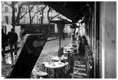 Montmartre VIII (madras91) Tags: nb bw monochrome blackandwhite noiretblanc leica leicam2 summaron summaron35mmf28 paris montmartre france street streetphotography