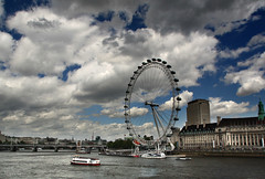 comulgar con ruedas de molino (RalRuiz) Tags: inglaterra england london westminster thames ro river unitedkingdom londoneye cielo nubes londres tmesis noria reinounido