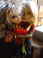 Confianzas (Lunalila1) Tags: friends james doll lovers yuki taylor groove yaoi urasawa gyro arion taeyang junplaning