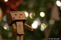 360/366 The Wonder Of Christmas (crezzy1976) Tags: nikon d3300 crezzy1976 photographybyneilcresswell photoaday indoors christmas danbo danboard figure boxes bokeh lights wonder amazon