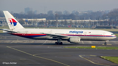 Malaysia 777-200ER 9M-MRL taxing for departure from Amsterdam Schiphol to Kuala Lumpur. 22.1.16 this was approximately 4 days before they end the service :( (Yazn Achtar) Tags: subhanallah 9mmrl malaysia malaysiaairlines amsterdam amazing amazingshot planespotter photographyatitsbest planespotting photography photooftheday planes schiphol amsterdamschiphol amesterdamschiphol ams nikonphotography nikon beautiful boeing beautifulshot beauty beautifulsky netherlands holland 777200er 777 772 salam