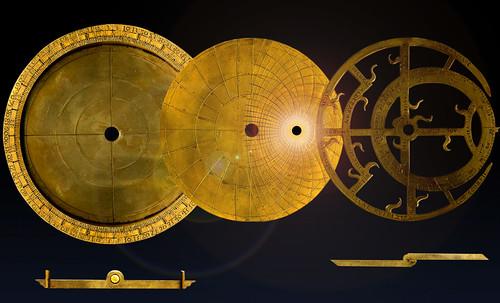 "Astrolabios, ubicantes de estrellas guía • <a style=""font-size:0.8em;"" href=""http://www.flickr.com/photos/30735181@N00/32230768490/"" target=""_blank"">View on Flickr</a>"