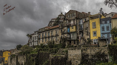 Porto, tu me plais ! (Fred&rique) Tags: lumixfz1000 photoshop cameraraw hdr porto portu architecture maisons ciel nuages gris couleurs