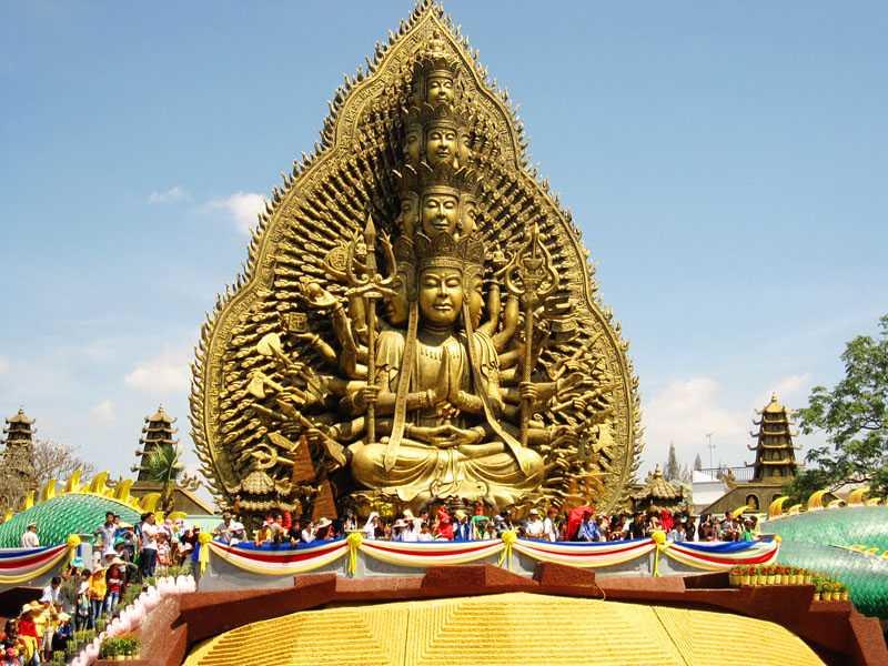 Tượng Phật ở Suối Tiên