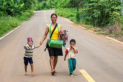 Tribu Akha (Rubn Ugalde) Tags: thailand nikon asia faces tailandia mai caras chiang mirada akha tribu d7100 nyanmar
