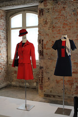 """Vestido """"azafata"""" (Marisa Cuesta) Tags: rojo moda museo antiguo vestido uniforme azafata"""