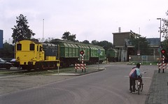 Zwolle, bediening vuiloverlaadstation (Ahrend01) Tags: retham rova zwolle vuil vam serie ns 600 russenweg grote voort