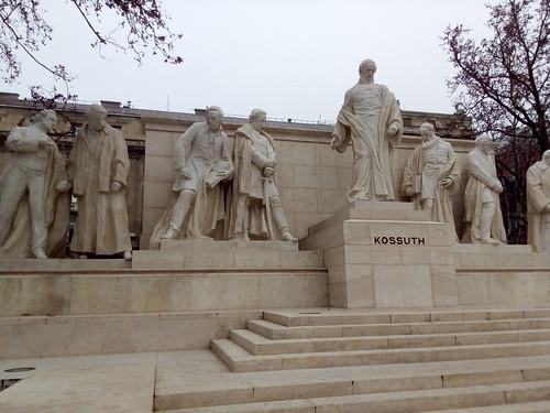 Budapeste, próximo ao Parlamento