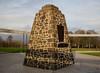 Bannockburn Memorial Cairn (side view) (Leroy Wilson) Tags: scotland robertthebruce robertbruce stirling bannockburn 1314 wallace williamwallace saltire wallacemonument kingrobertthebruce robertthebrucekingofscots standrew bannockburnmemorialcairn bannockburn1314