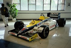 Nigel Mansell's 1985 Williams-Honda FW10B - Williams Grand Prix Collection, October 1996 (Dave_Johnson) Tags: mobil1 ici denim canon nigelmansell mansell fw10 fw10b williams honda frankwilliams williamsf1 williamsgrandprixengineering williamsheritagecollection williamsgrandprixcollection formula1 formulaone f1 grandprix car racingcar automobile museum collection grove wantage red5 redfive