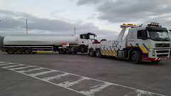 Volvo FM Recovering Tanker Into West Wales Fuel Terminal (JAMES2039) Tags: volvo fm12 tow towtruck truck lorry wrecker heavy underlift heavyunderlift 6wheeler frontsuspend tanker ca02tow scania cardiff rescue breakdown ask askrecovery recovery fueltanker fuel terminal west wales petrol diesel