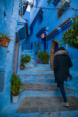 In Chefchaouen, Blue City, Morocco (ReinierVanOorsouw) Tags: canonlens photography reiniervanoorsouw reiniernothere marokko morocco moroc sonya7rii sony sonya7r travel northafrica african arabicafrica roadtrip travelling exposure colours chefchaoun chefchaoune blue bluecity colourful intenseblue blauw blauwestad chefchaouen chaouen achaouen شفشاون city xauen maroccancity bleu シャウエン experience explore ⵜⵛⴻⴼⵜⵛⴰⵡⴻⵏ xexuão marrocos 舍夫沙萬 stad arabic arabiccity шавен şafşavan марокко medina walledcity