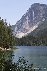 Lago di Tovel (Conte17) Tags: verde canon lago eos estate alta pino acqua azzurro freddo trentino luglio cime 500d vede quota tovel
