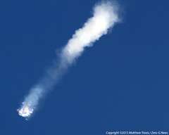 "SpaceX Falcon 9 / Dragon CRS-7 Disintegrates After Launch • <a style=""font-size:0.8em;"" href=""http://www.flickr.com/photos/12150483@N04/19123651389/"" target=""_blank"">View on Flickr</a>"
