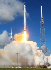 "SpaceX Falcon 9 / Dragon CRS-7 Launch • <a style=""font-size:0.8em;"" href=""http://www.flickr.com/photos/12150483@N04/19283703996/"" target=""_blank"">View on Flickr</a>"