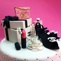 3D Chanel Gift Sets (Cakedeliver.com Malaysia Cake House) Tags: chanel cakeshop cakehouse klangvalley partycake noveltycake customcake kidscake 3dcakes designedcake cakeorder childrencakes bestcakes fondantbirthdaycake 3dbirthdaycake sendcake figurinecake buycakes kslcitymall kepongbakery sripetalingcakestore malaysiabaker
